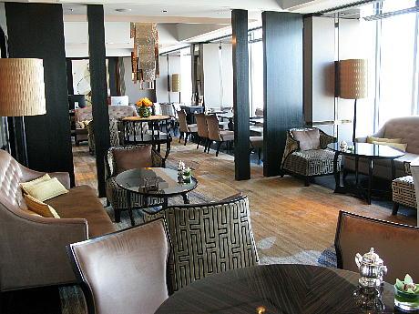 08_31_lounge3.jpg