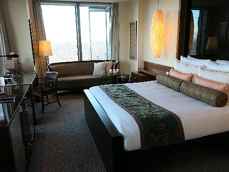 mandarin5_bedroom1.jpg