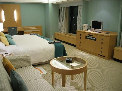 07_31_luxury_bedroom.jpg
