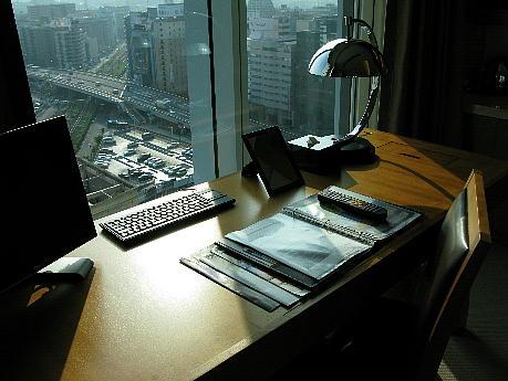 10_10_desk.jpg