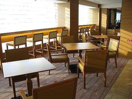 10_17_lounge4.jpg