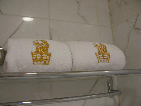 11_15_towel_gold.jpg